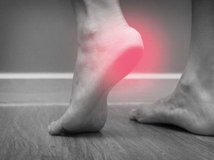 כיצד המדרסים מסייעים לטיפול בדורבן בכף הרגל?